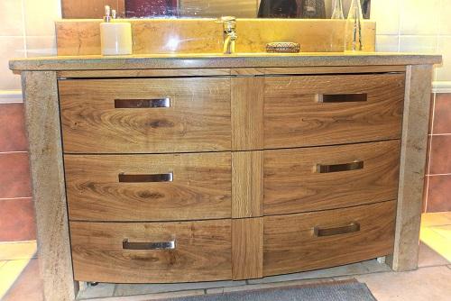 fabrication de meuble tout style sur mesure marnay je fabrique pour vous des cuisines de. Black Bedroom Furniture Sets. Home Design Ideas